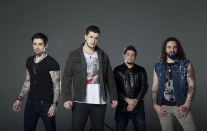 """MALTA faz show de lançamento do álbum """"Nova Era"""" no Teatro Positivo"""