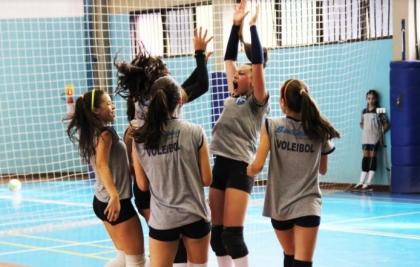 Santa Mônica procura novos talentos na peneira de Voleibol