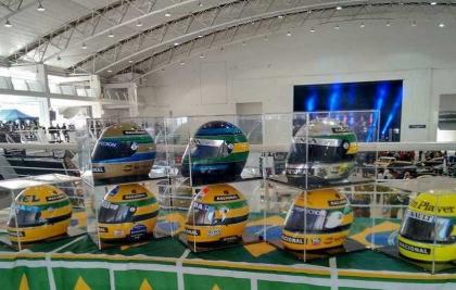 Old & Low Car Curitiba terá exposição sobre Ayrton Senna