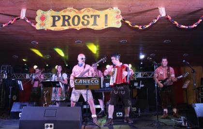 Santa Mônica recebe a Banda do Caneco na Festa do Chopp