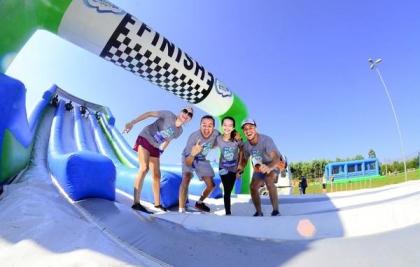 Corrida Insana de Curitiba terá diversão com infláveis, água e espuma, no Santa Mônica