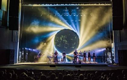 Teatro Positivo recebe neste domingo a turnê 'Animals Tour 2019' da Atom Pink Floyd Tribute